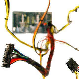 Einzelne Komponenten eines aufgeschnittenen Kabels